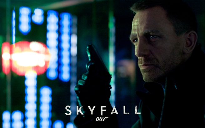 First official shot released from SKYFALL of James Bond (DANIEL CRAIG) from a scene set in Shanghai.  Daniel Craig stars as James Bond in Metro-Goldwyn-Mayer Pictures/Columbia Pictures/EON Productions' action adventure SKYFALL.
